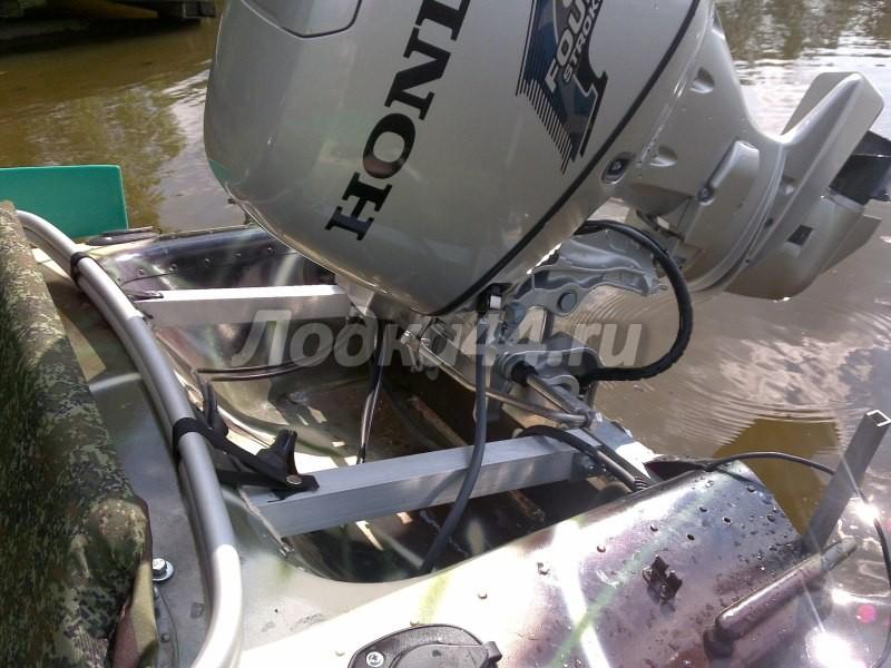 Подъемный транец для лодочного мотора